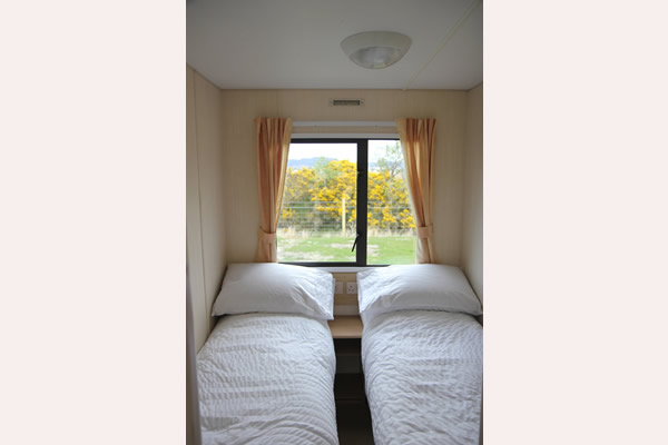 Twin room in Self catering caravan 3 on shore of Arivegaig Bay, Ardnamurchan Scotland